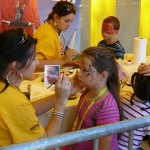 Équipe bénévole au stand maquillage. Édition 2012