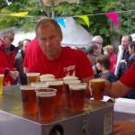 Les bénévoles au bar. Édition 2011